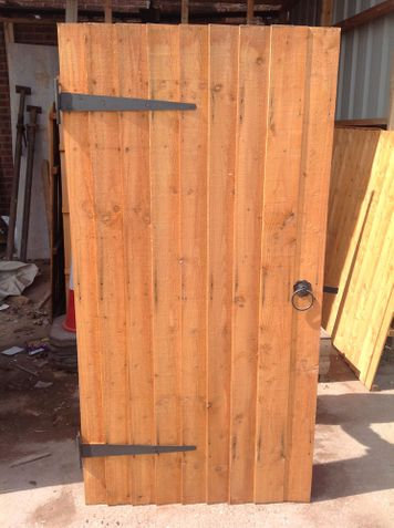 dipped featheredge gate